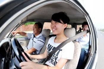 上海大学生假期想学车切勿只关注上海学车价格