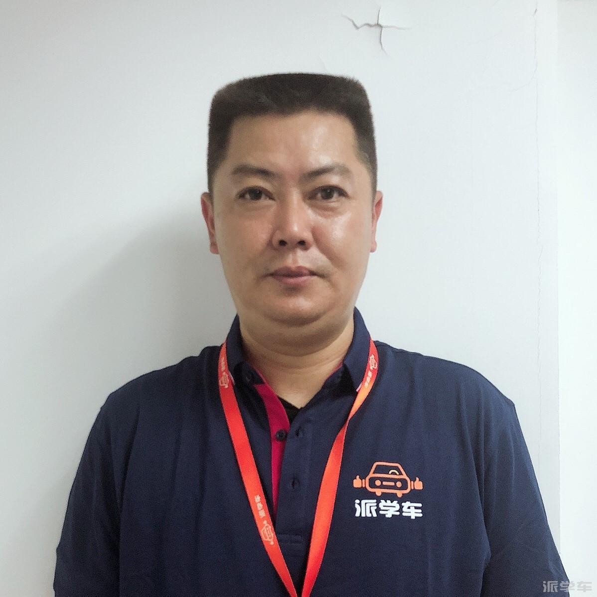 教练吴鑫荣
