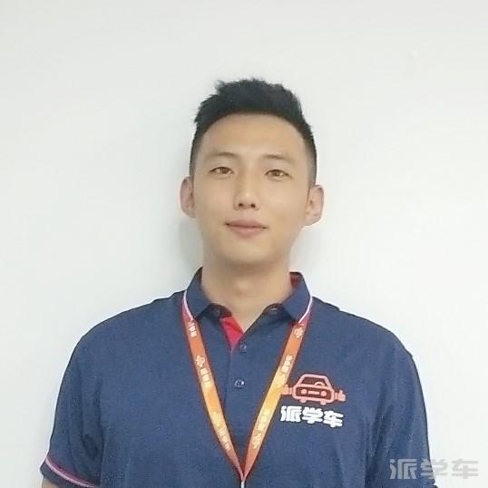 教练董云龙