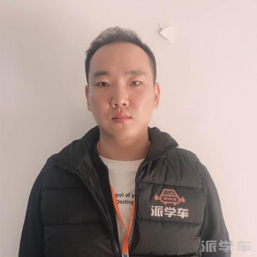 教练董磊斌