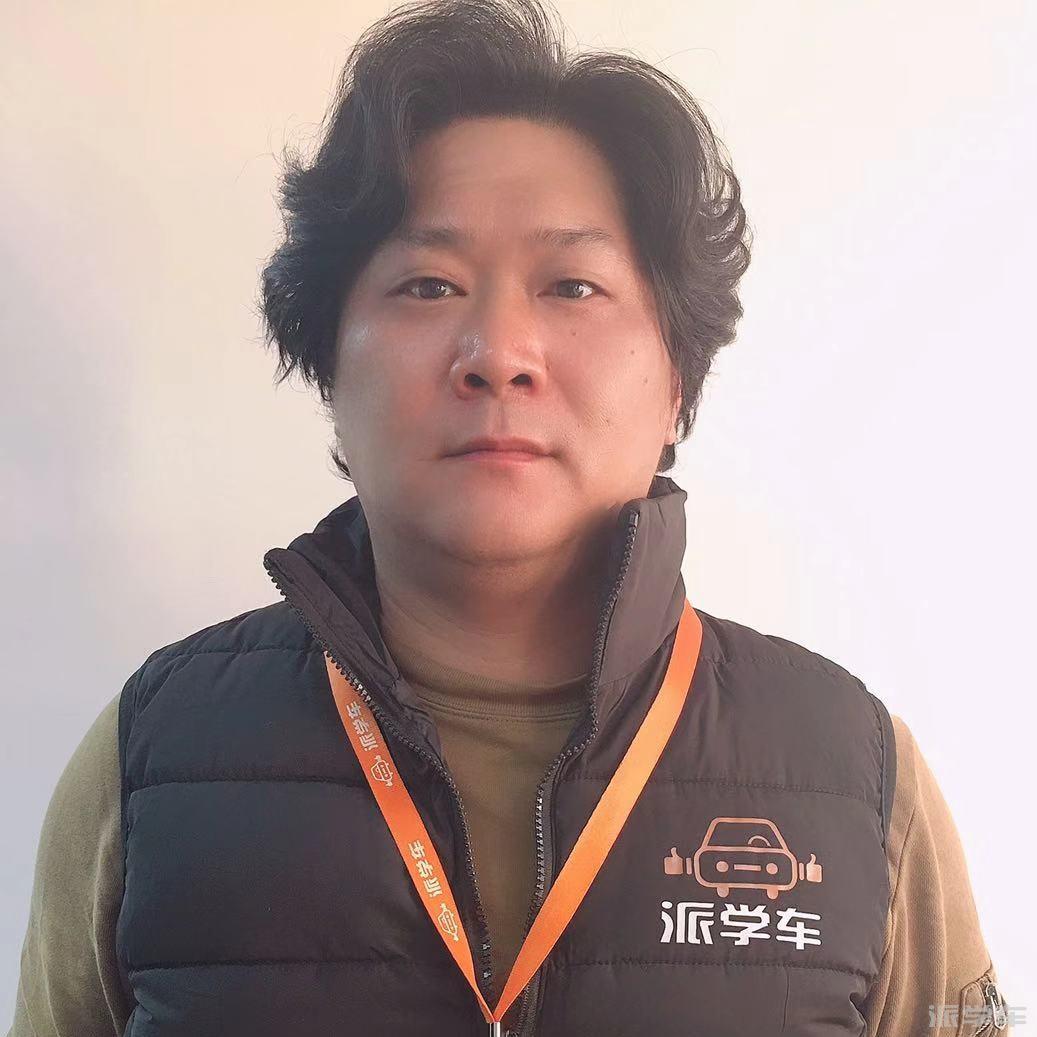 教练邬宇俊