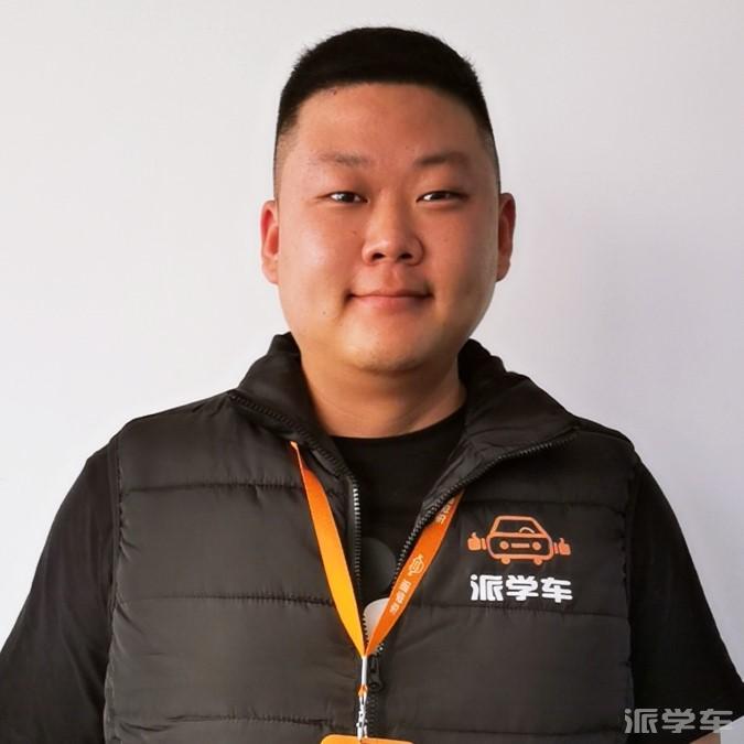教练周明敏