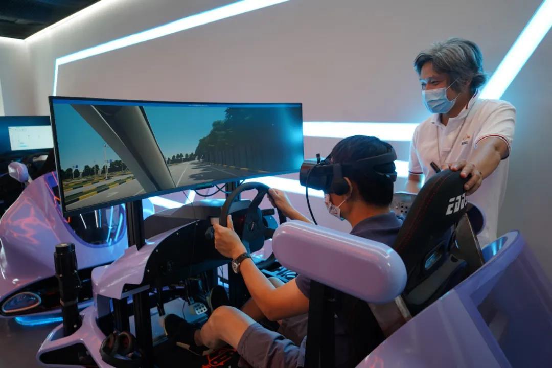 派学车推出VR学车黑科技,助力学员顺利通关拿证!