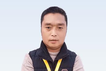 驾校教练李洪章