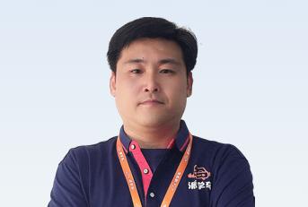 驾校教练吴穆杰