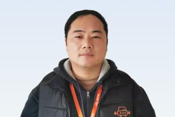 驾校教练李刚