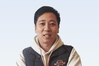 驾校教练李晨纯