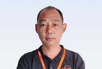 驾校教练张威