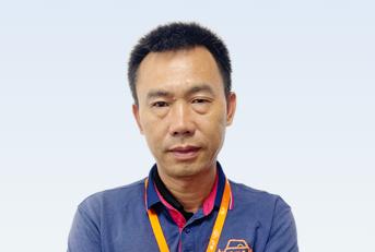 驾校教练王敬华